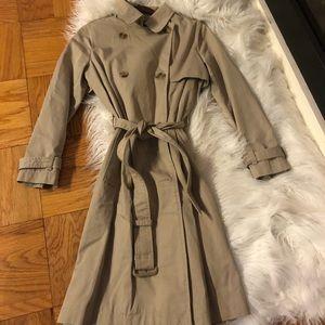 Khaki new Gap trench coat. Size SP